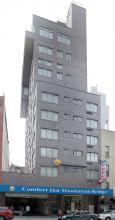 Comfort Inn at Manhattan Bridge Exterior